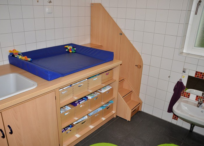 Wickelstation in der Kinderkrippe